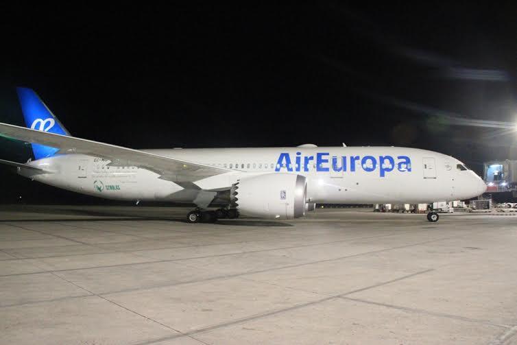 Ultimo diario boeing 787 dreamliner de air europa llega for Interior 787 air europa